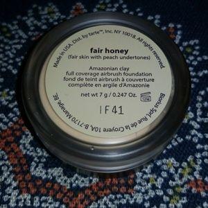 Tarte Amazonian clay foundation fair honey